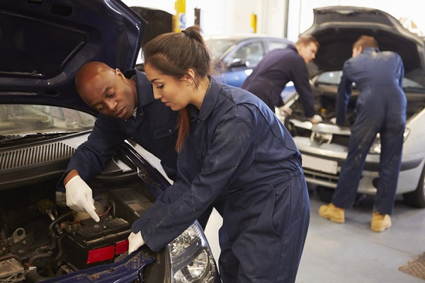 What You Should Know Before Choosing A Auto Repair Technician